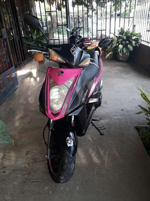 Vendo Moto Modelo 2013 Única Dueña