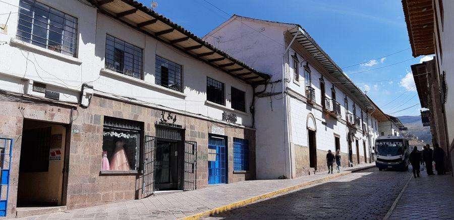 ALQUILO OFICINA EN CENTRO DE CUSCO