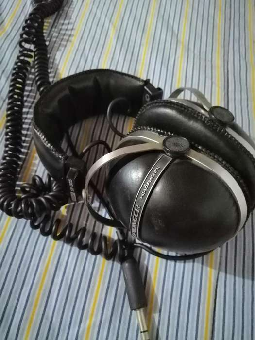 Audífonos Pioneer
