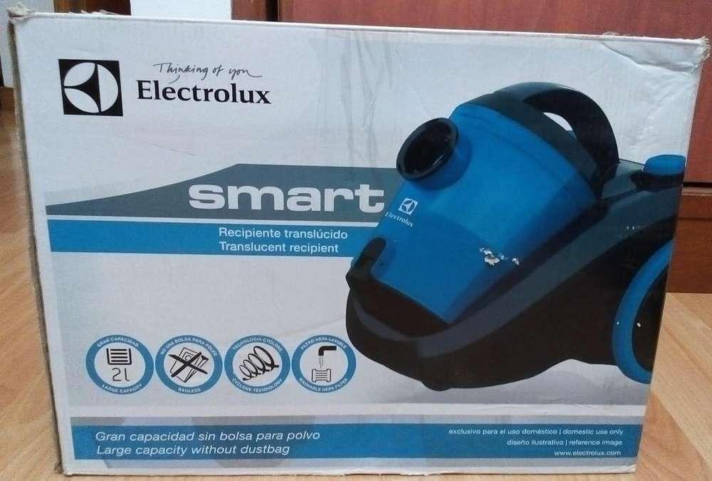 Aspiradora Electrolux azul