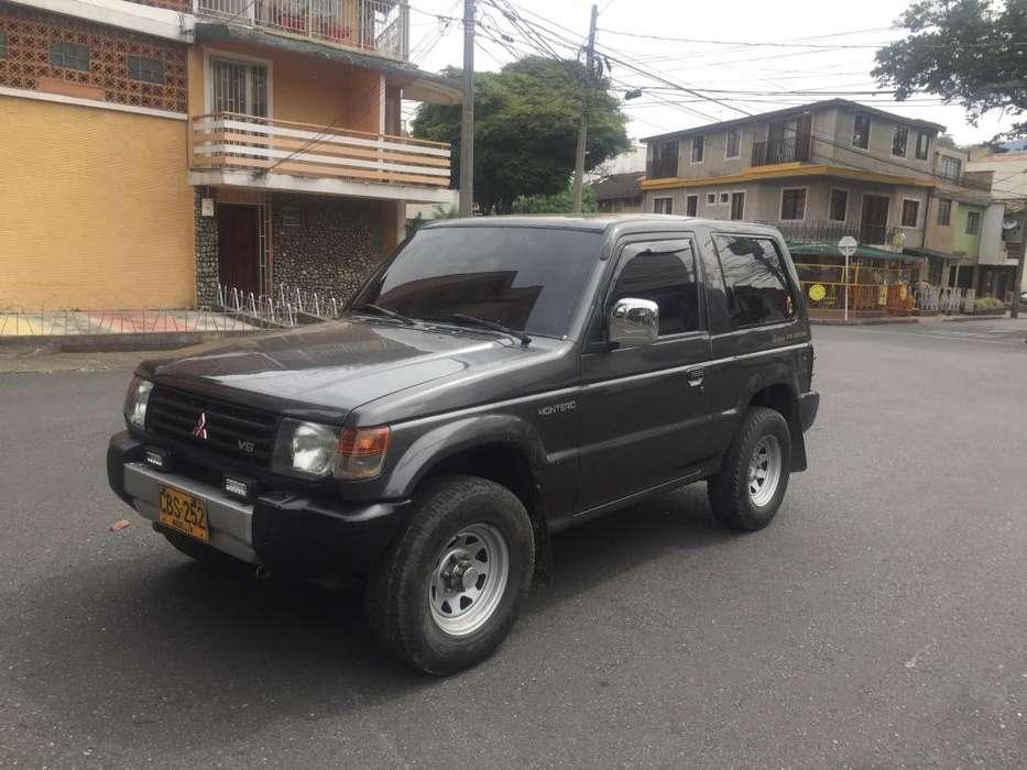 Mitsubishi Montero 1995 - 232000 km