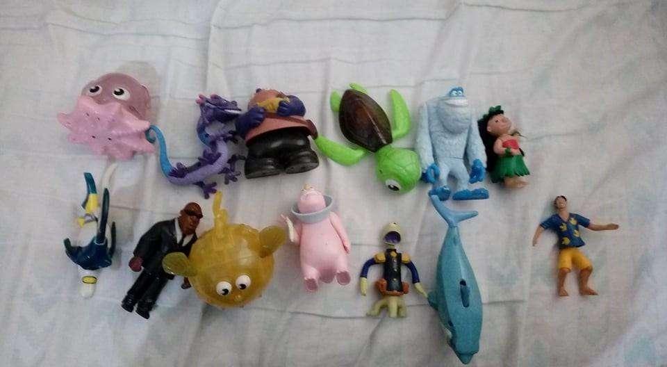 Figuras Disney Stitch Monster Inc Buscando a Nemo McDonalds