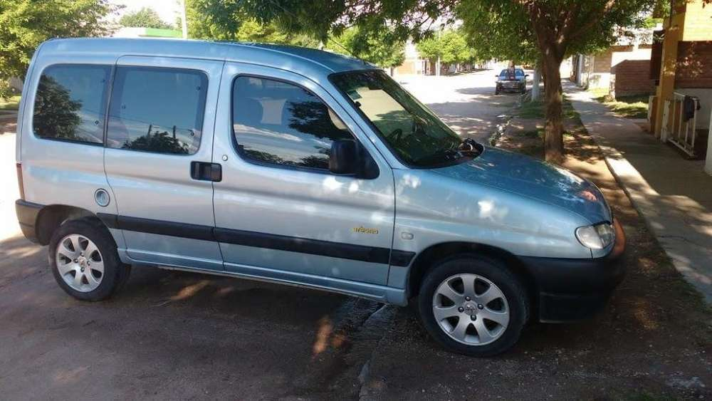 Peugeot Partner 2005 - 10457 km