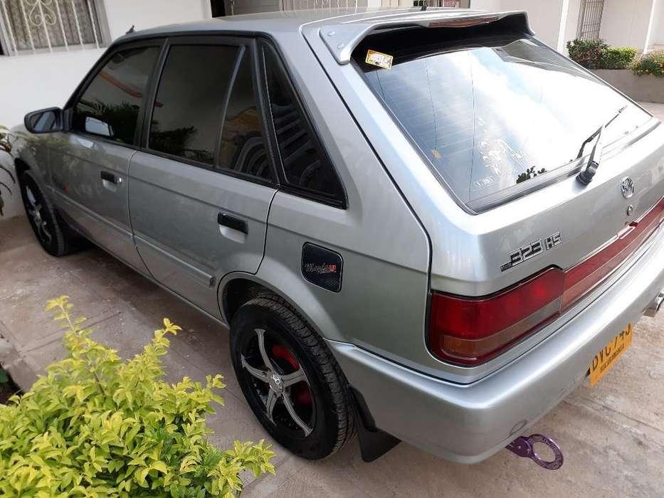 Mazda 323 2002 - 46000 km