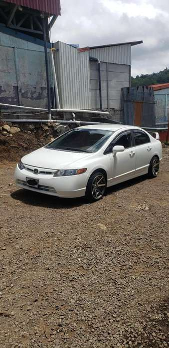 Honda Civic 2006 - 190 km