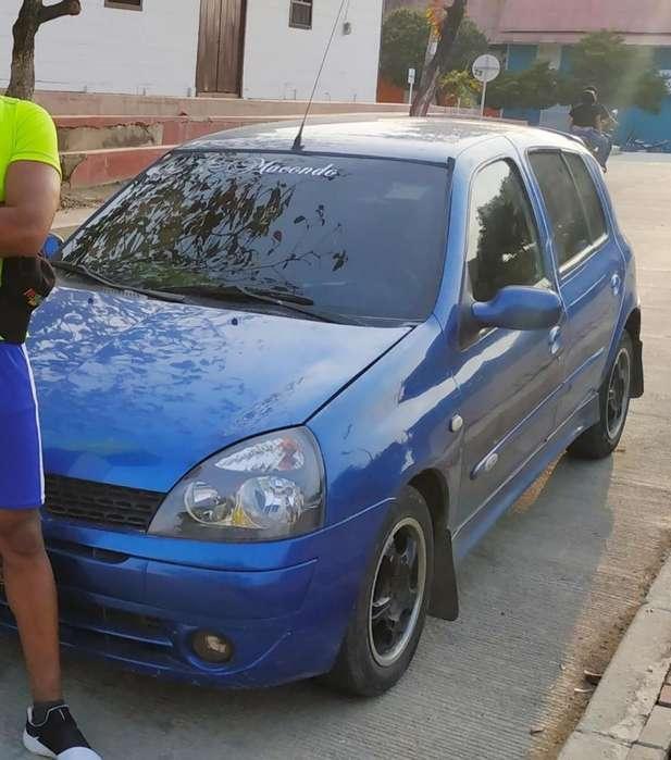 Renault Clio  2006 - 105100 km