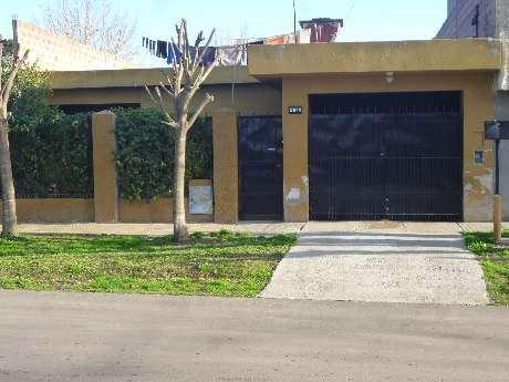 Casa en venta en Barrio Kennedy