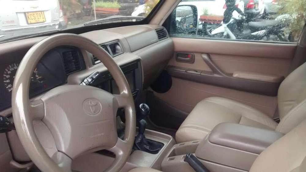 Toyota Burbuja 2003 - 150000 km