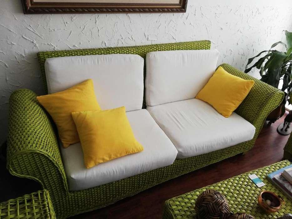 Sala Mueble Sofa, <strong>sillones</strong> y Mesa de Centro