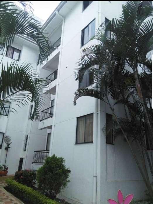 Recien Renovado <strong>apartamento</strong> conjunto cerrado con piscina en el Caudal