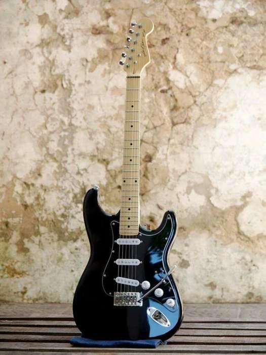 Guitarra Eléctrica Black Strat (luthier)