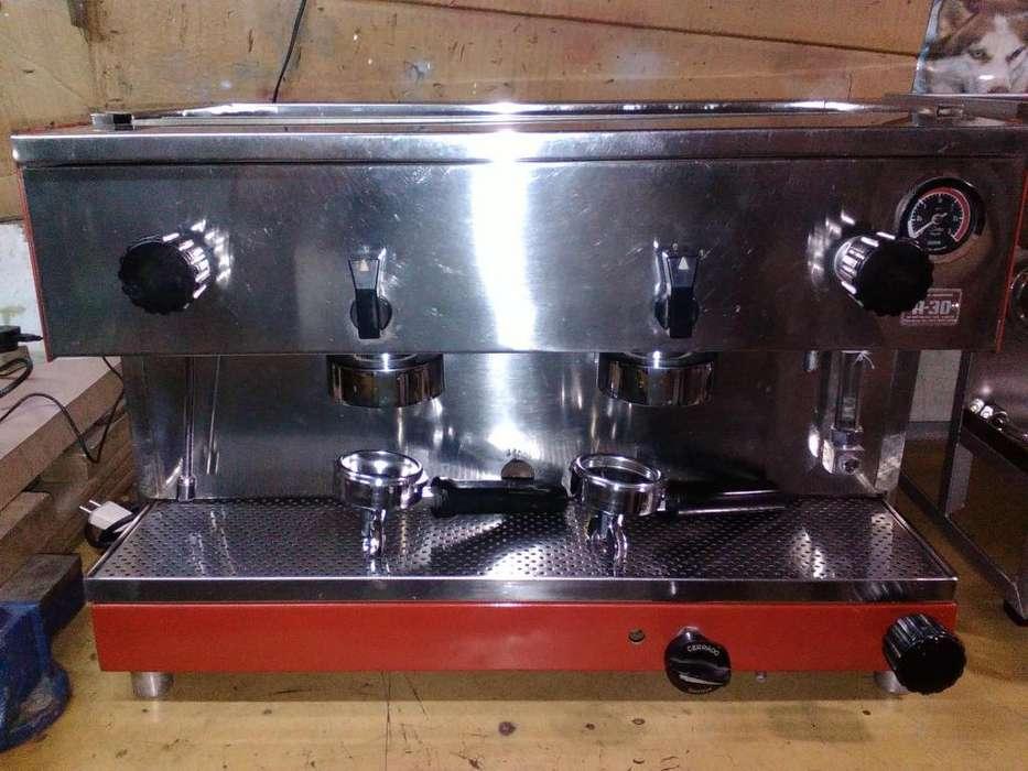 Máquina de café veigal de 2 bocas mas motor compresor