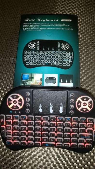 Miniteclado inalambrico - Control remoto y Touch Pad