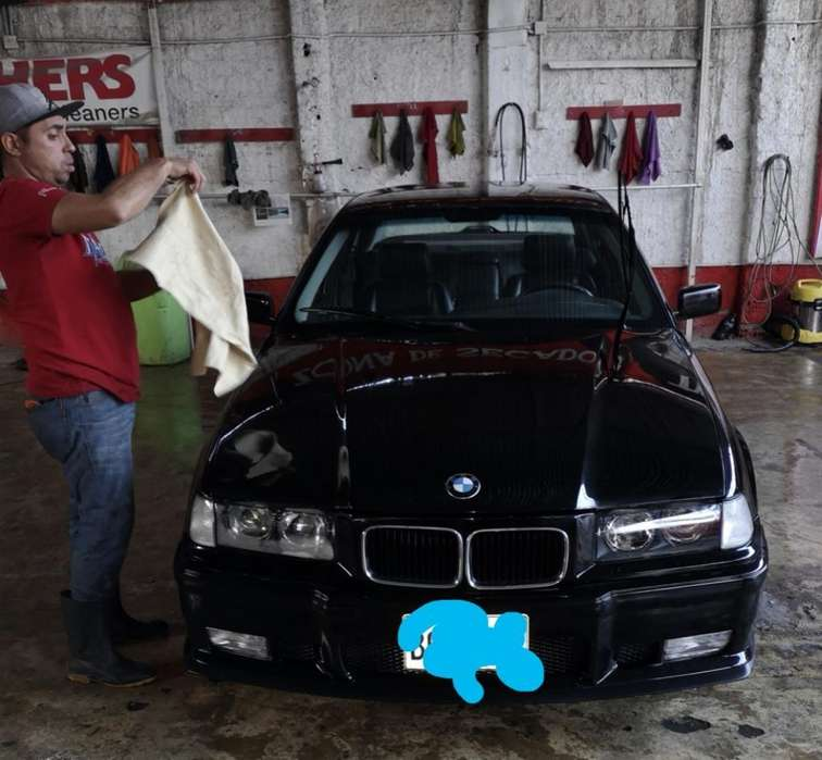 BMW 325i 1991 - 200000 km
