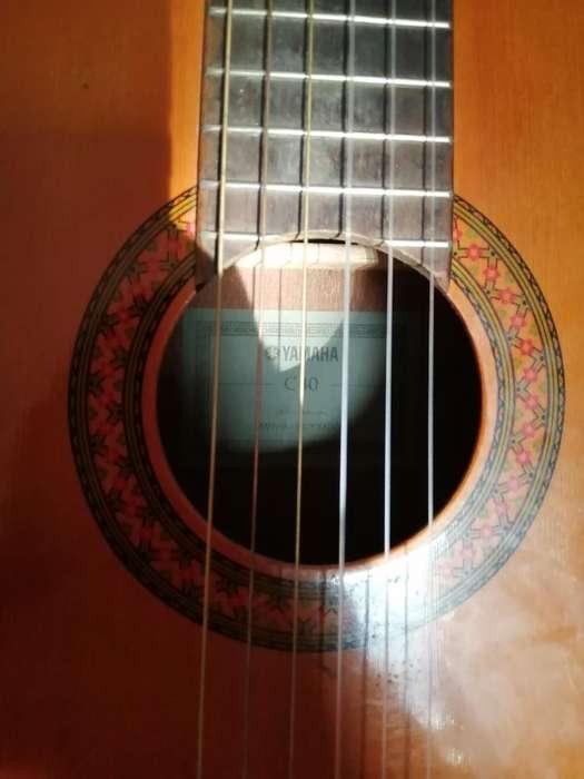 Vendo Guitarra Yamaha C40