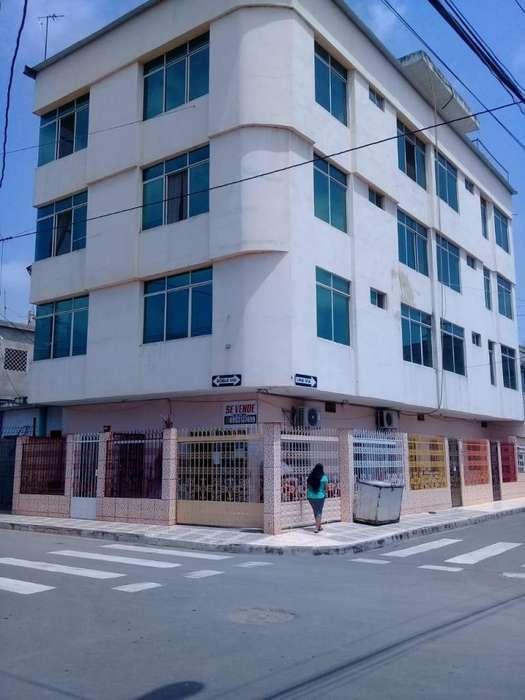 Un edificio en Machala por la Oto Alvarez cel0993908434
