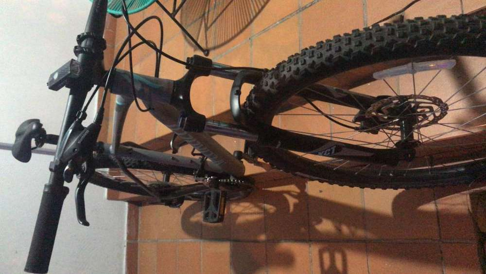 Vendo bicicleta specialized como nueva