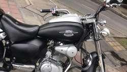 Um 200 Renegade Modelo 2010 Soat Tecno