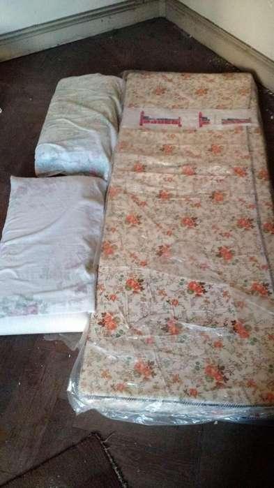 <strong>sillon</strong> cama con colchon y almohada
