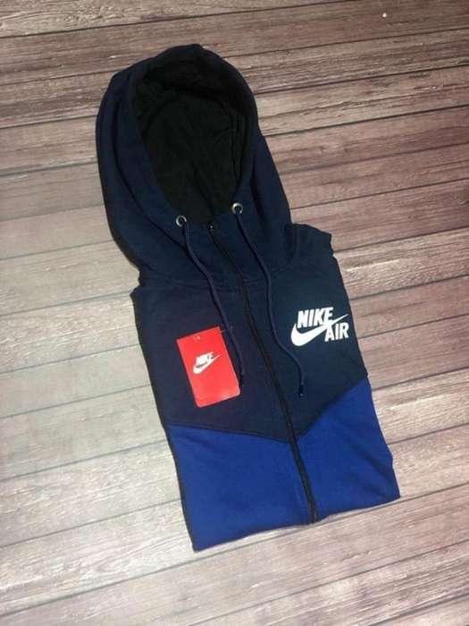 Camperas Nike New