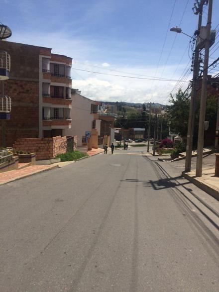 LOCAL BARRIO CRISTALES