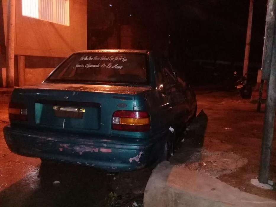 Ford Festiva 1996 - 9767679 km
