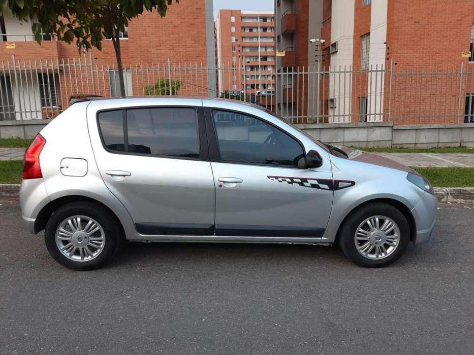 Renault Sandero 2012 - 79000 km