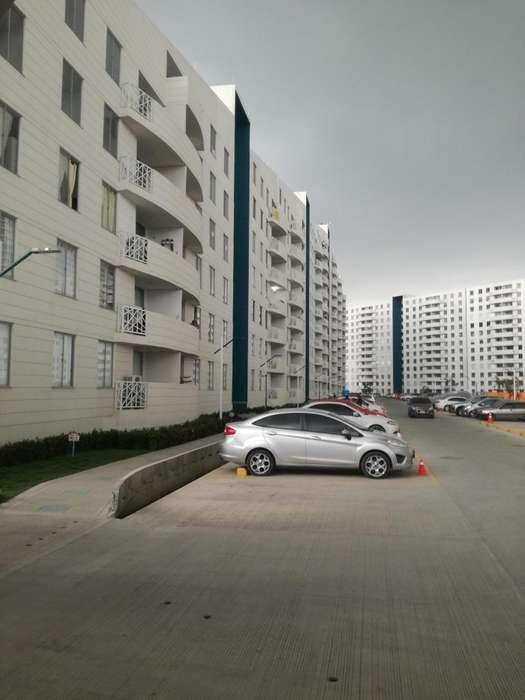 <strong>apartamento</strong> en arriendo en Conjunto Residencial el Club, Barrio la Carolina