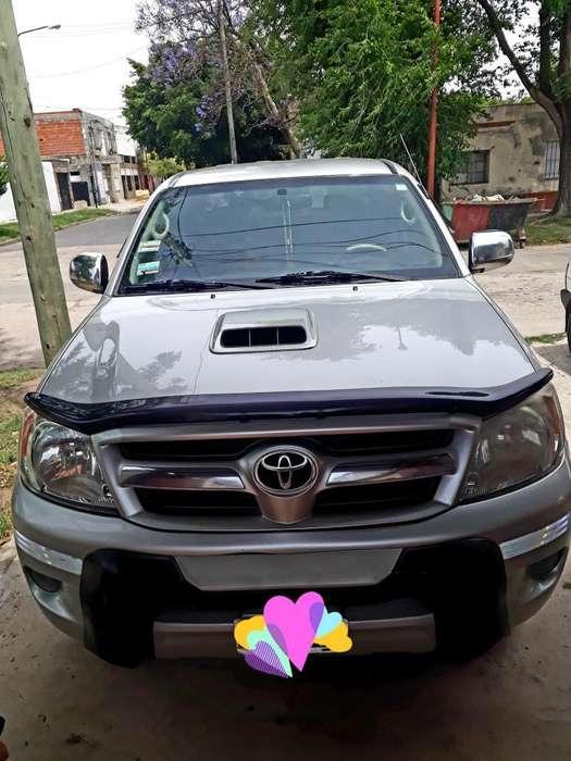Toyota Hilux 2005 - 0 km