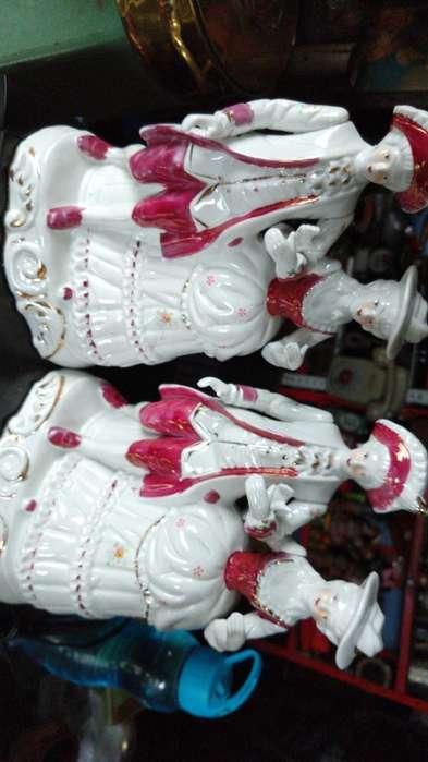 Dos Porcelanas Gemelas
