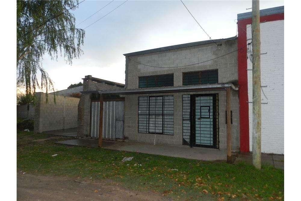 Se ALQUILA local comercial Callejón Funes 5500