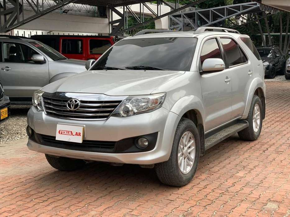 Toyota Fortuner 2015 - 56300 km