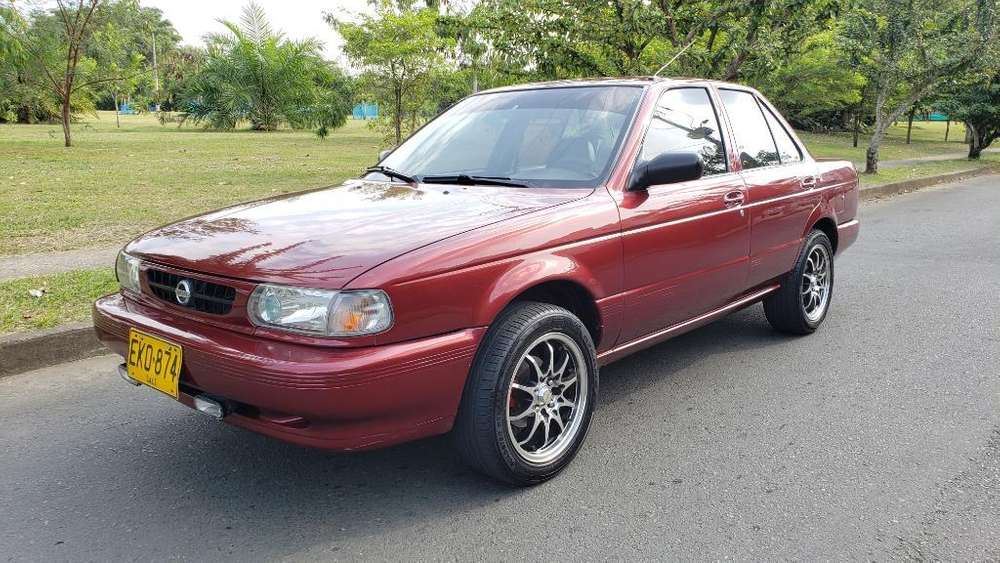 Nissan Sentra 2004 - 220000 km