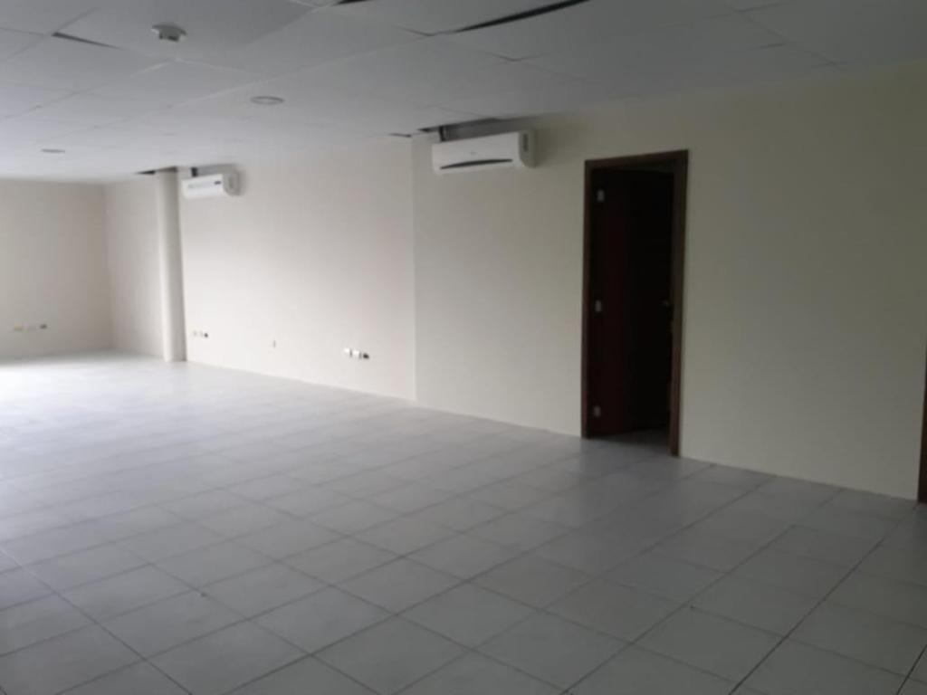 Se Alquila Oficina Cerca del Centro de Convenciones Simón Bolívar
