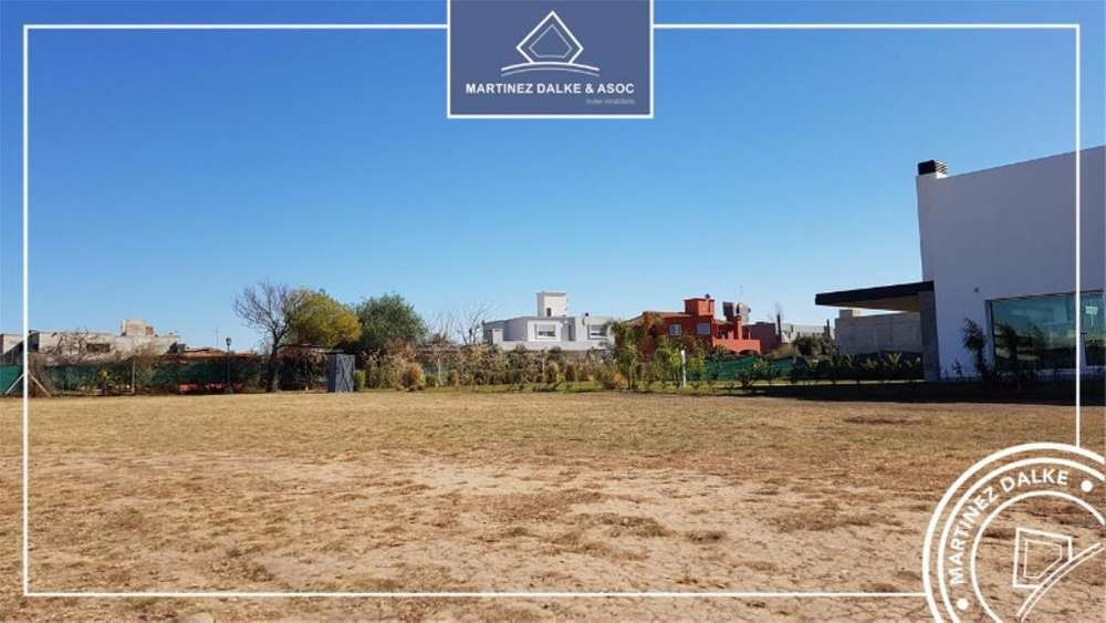 Country Altos Del Chateau Lote / N 5000 - UD 300.000 - Terreno en Venta