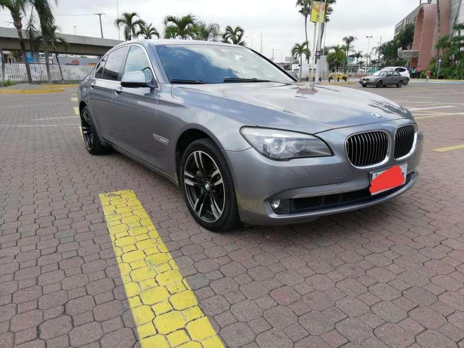 BMW Série 7 2012 - 69000 km
