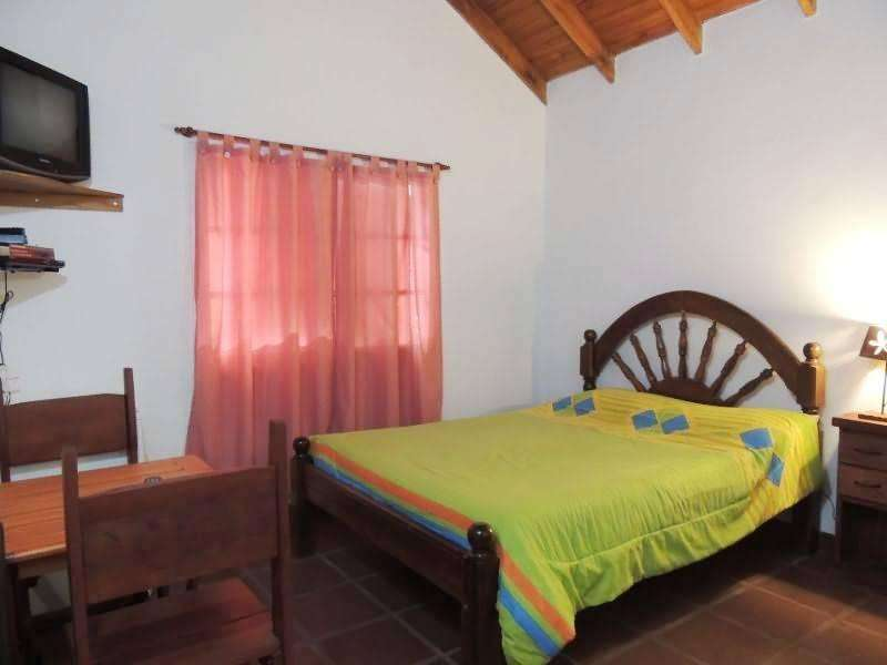 lp18 - Cabaña para 2 a 6 personas con pileta y cochera en Villa De Merlo