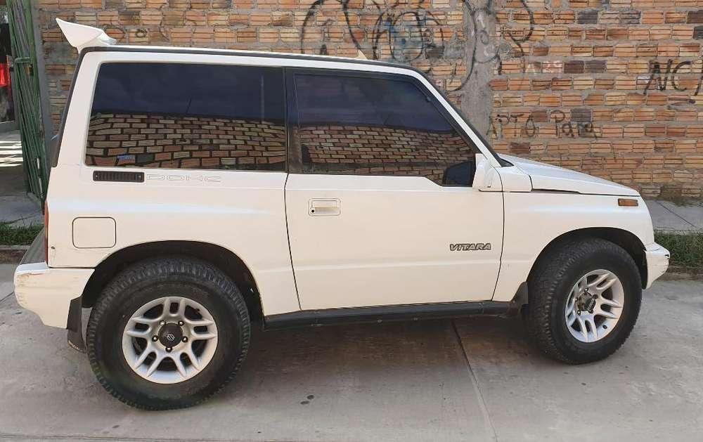 Suzuki Vitara 1998 - 1000 km