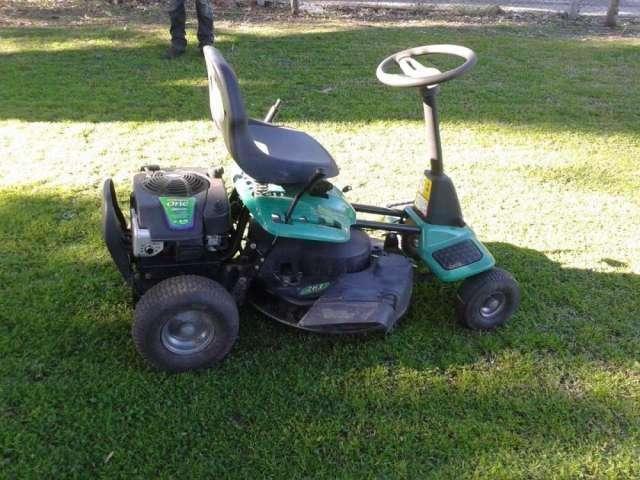 Tractor cortapasto weed eater onex