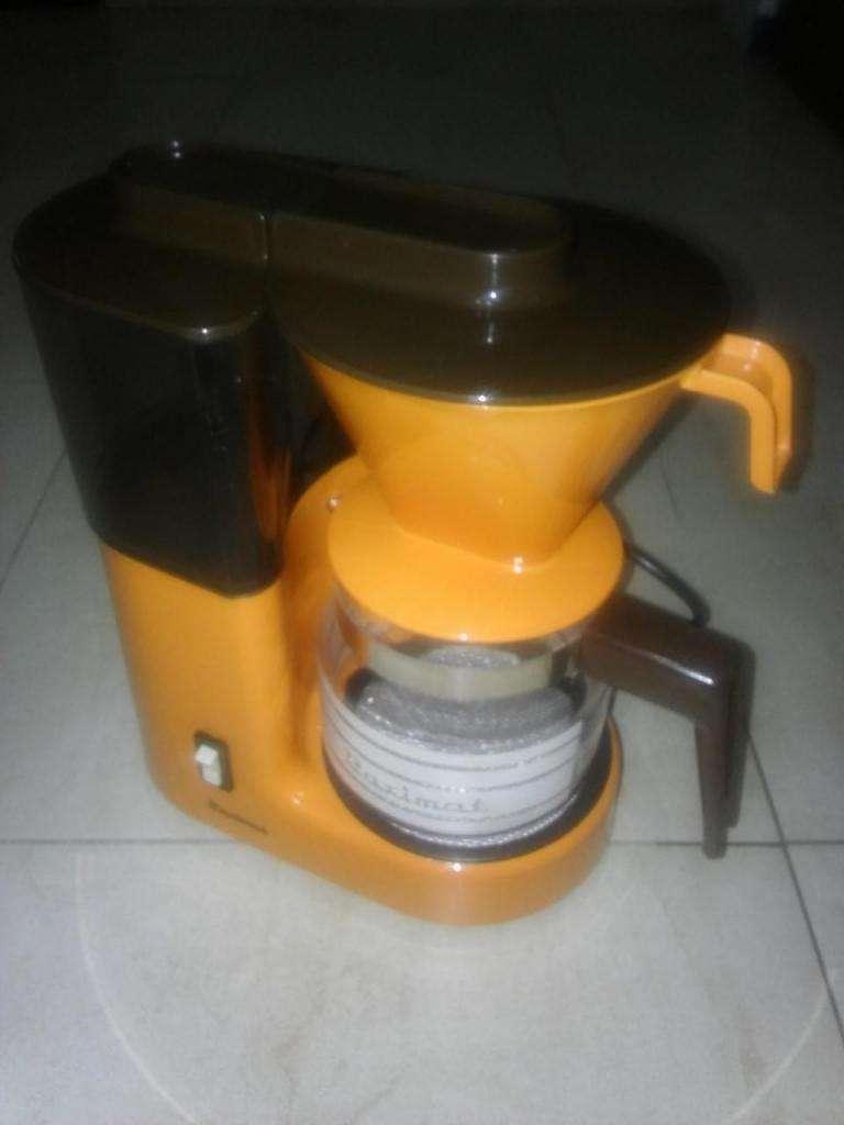 Cafetera Paximat, sin uso, 14 pocillos café u 8 tazas té.