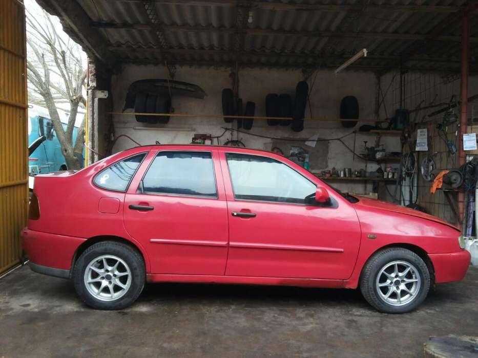 Volkswagen Caddy 1999 - 200 km