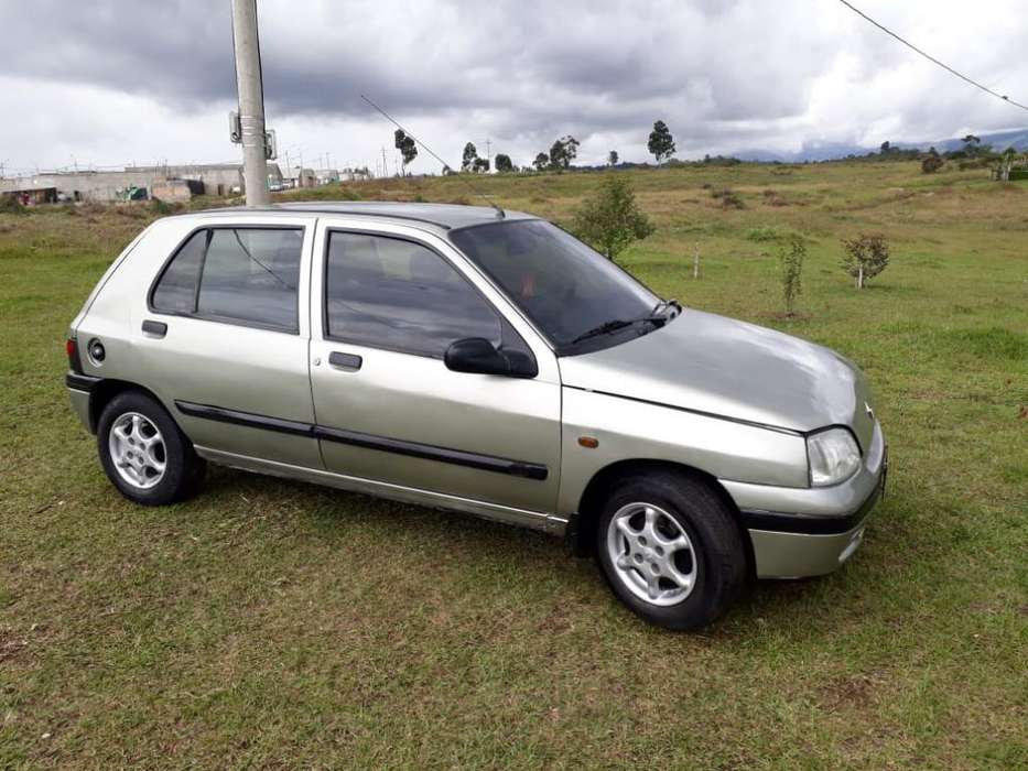 Renault Clio  1999 - 1111111 km