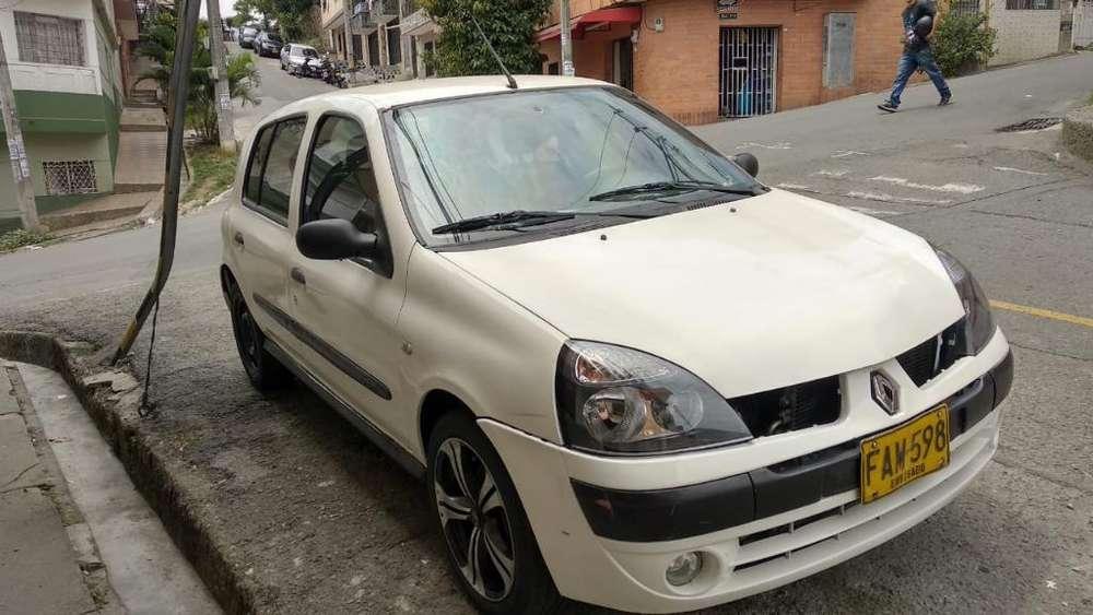 Renault Clio  2003 - 213000 km