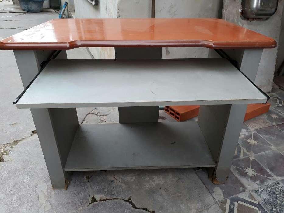 Mesa de <strong>escritorio</strong>
