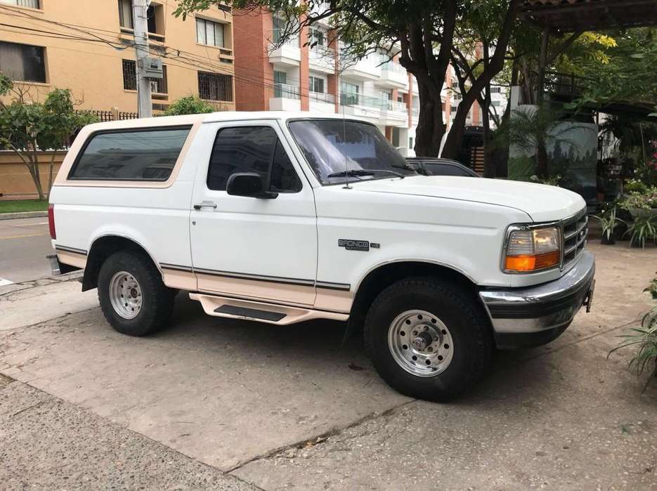 Ford Bronco 1995 - 180000 km