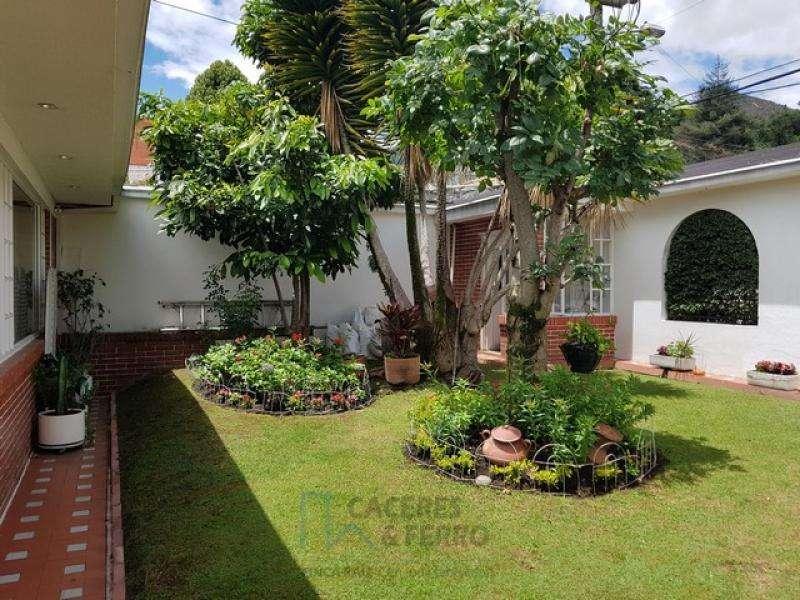 Casa En Venta En Bogota Santa Ana-Usaquén Cod. VBCYF20594