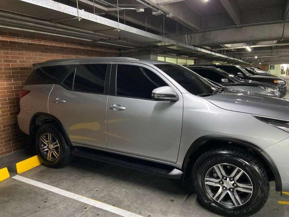 Toyota Fortuner 2019 - 15035 km