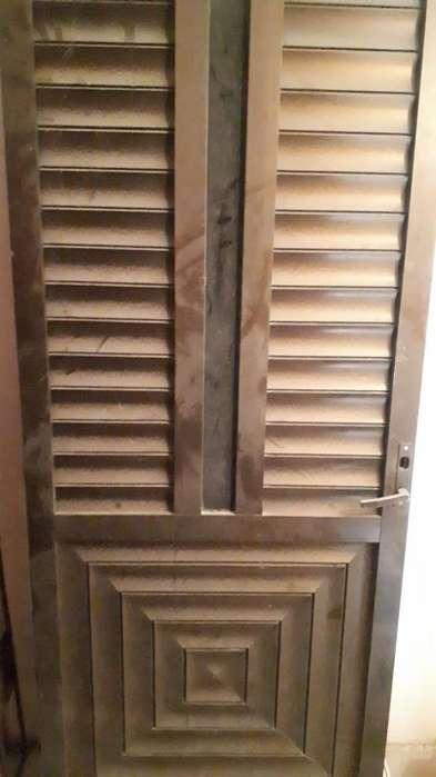 2 Puertas,vidrio Y Aluminio Y 2 Ventanas