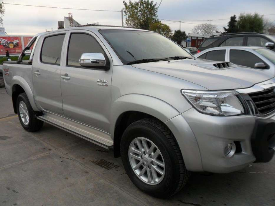 <strong>toyota</strong> Hilux 2013 - 12000 km