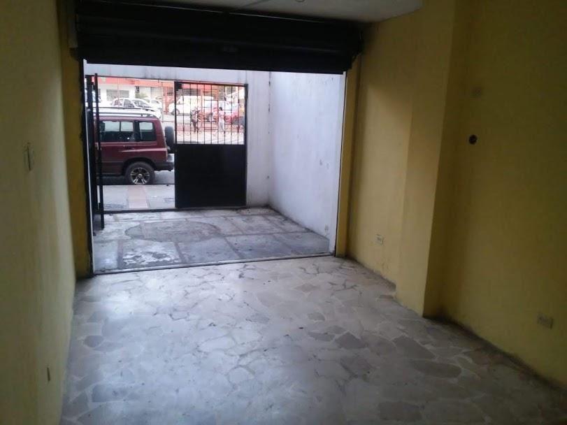 Local en Alquiler, Centro de Guayaquil, 35Mt2, 1 Baño, 1 Bodega.